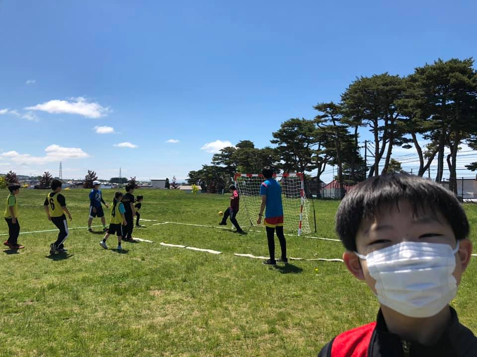 Street handball in Japan is played by the Hakodate Ushio Sports Club twice a week, outdoors and indoors